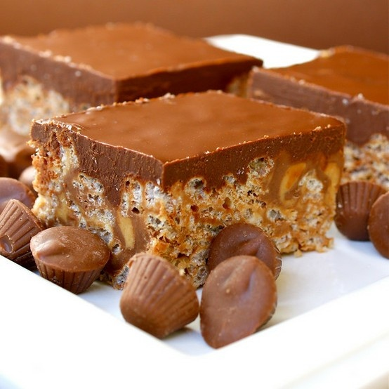 ... you're ok with eating an entire pan. Reese's Rice Krispie treats
