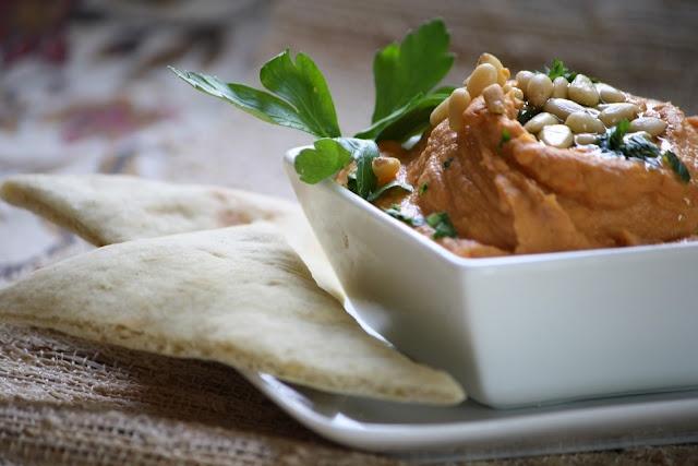 Garlic, Thyme and Lemon Pita Bread | Breads | Pinterest