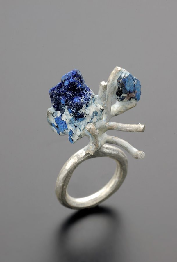 Catalina Brenes -  Blu Nature, Unique Piece - 2010-   - Silver 925, Lapis latzuli, Resin with natural pigments