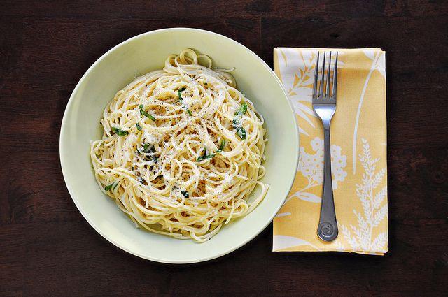 Spaghetti with Lemon and Olive Oil (al Limone)