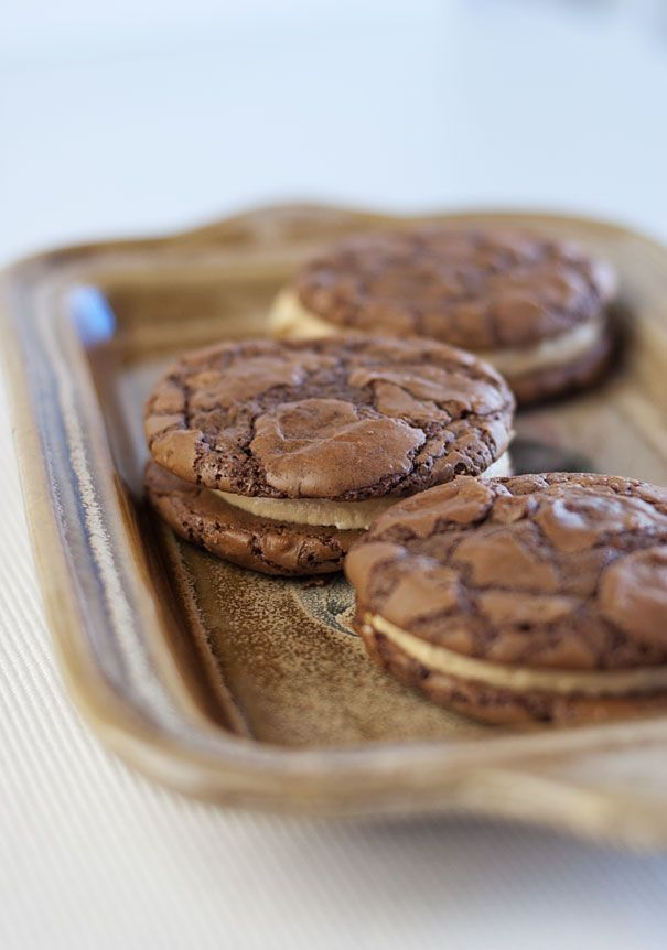 Chocolate Brownie Cookies Filled with Peanut Butter Buttercream | Rec ...
