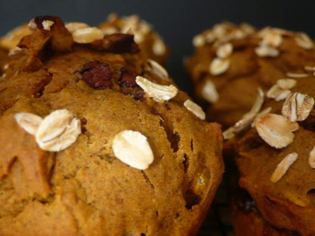 Pumpkin Chocolate Chunk Muffins | Foods | Pinterest