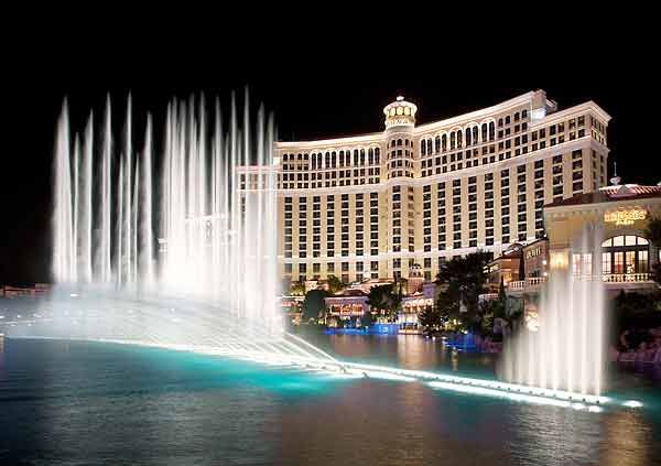 las vegas hotel fountain show