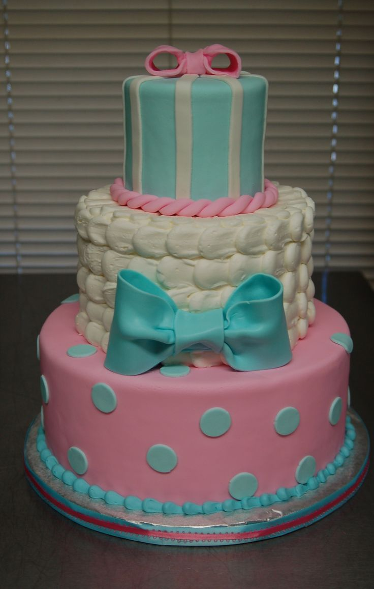 Gender Reveal cake by Cake is the Best Part, Redding, CA