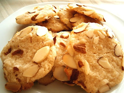 Almond Crunch Cookies!!! My childhood favorite. It's chewy on the ...