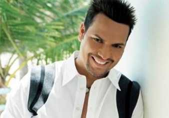 Victor manuelle one of my fav salsa singers