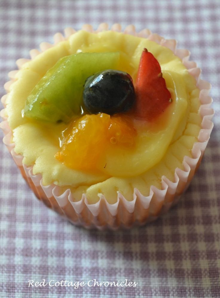 cheesecake cupcakes with lemon curd and fresh fruit