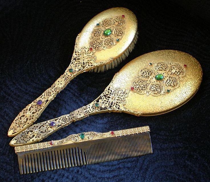 Vintage Dresser Установить с «жемчужинами» ....... Ручное зеркало, Щетка для волос и расческа