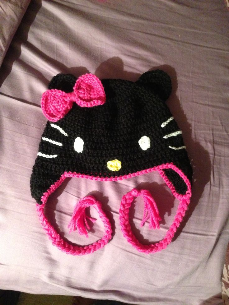 Crocheted hello kitty black hat crochet hats Pinterest
