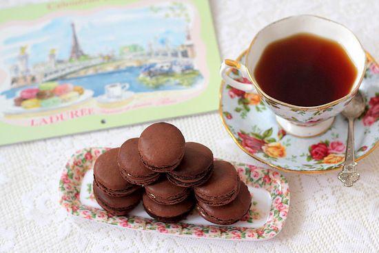 French Chocolate Macarons   Le Macaron   Pinterest