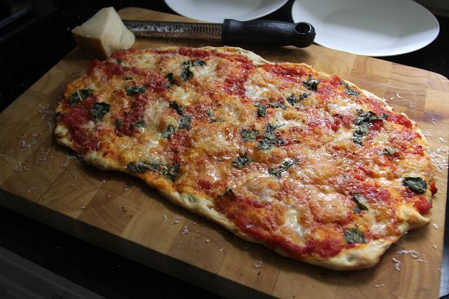 tomato basil pizza two ways the pioneer woman white pizza with tomato ...