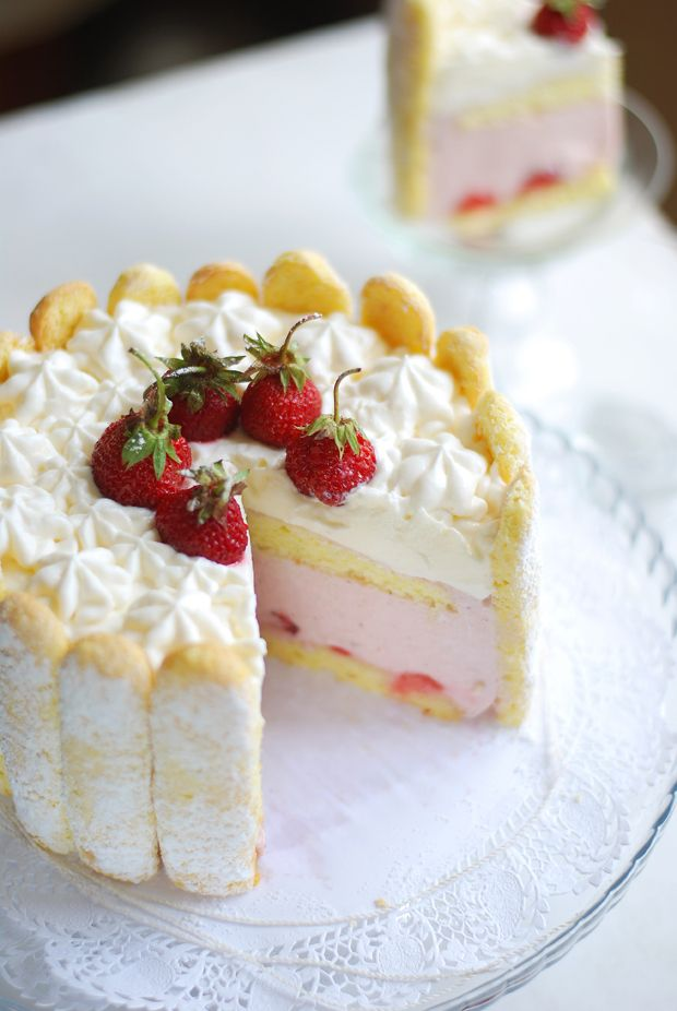 Strawberry Charlotte Cake-Happy Meal Time http://happy-meal-time ...
