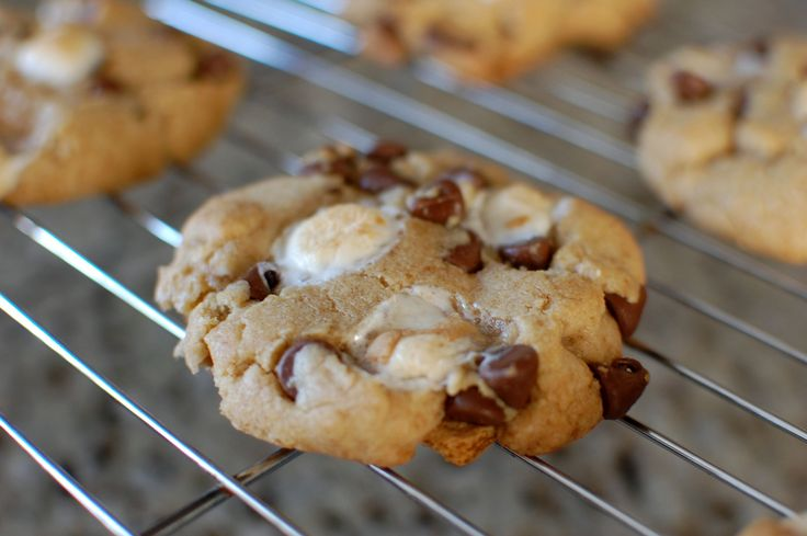 mores Cookie - bake chocolate marshmallow cookies on top of a ...