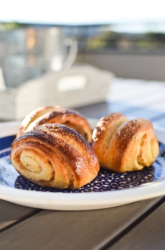 ... Finnish Korvapuusti recipe (yeasted rolls scented with cardamom