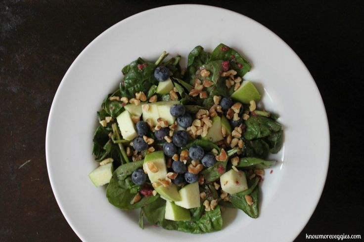 Spinach Salad with Cinnamon Apple Blueberry Dressing