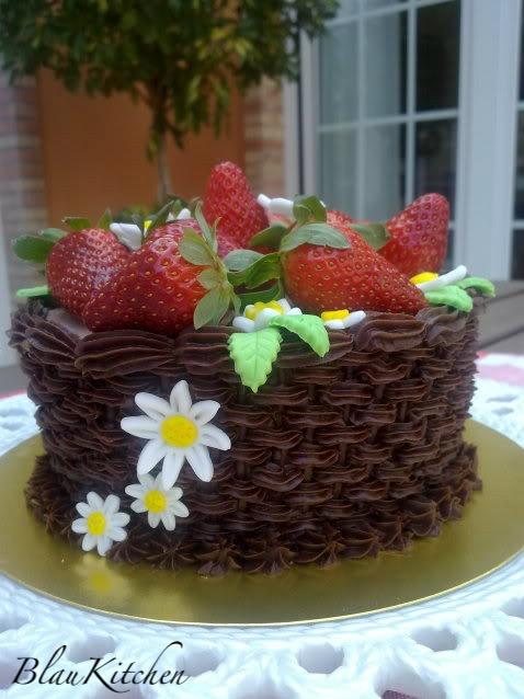 Strawberry basket | Cakes by BK | Pinterest
