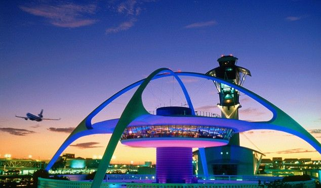 Can you guess this mystery airport #restaurant? Hint: It happens to be one of 10 best US airport restaurants... Ok fine, we'll just tell you. It's the ENCOUNTER restaurant at LAX! #LosAngeles #travel
