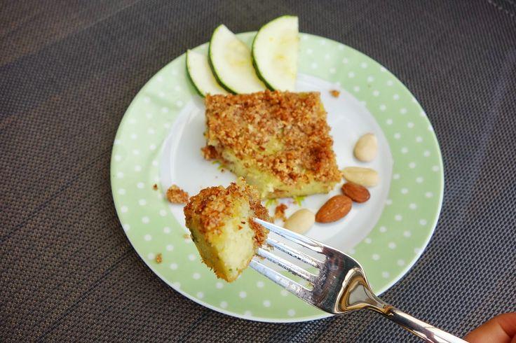 Zucchini almond cake | Food Blog @physalisfruit | Pinterest