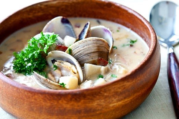 Easy New England Clam Chowder - This soup is so comforting and ...