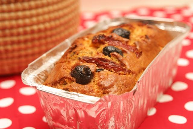 Sun dried tomato, olive, parmesan bread. | Recipes | Pinterest