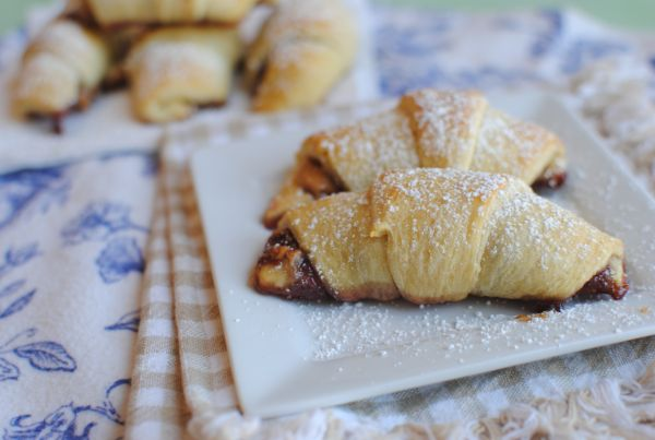 Peanut Butter and Jelly Rolls- The Perfect Snack for Kids