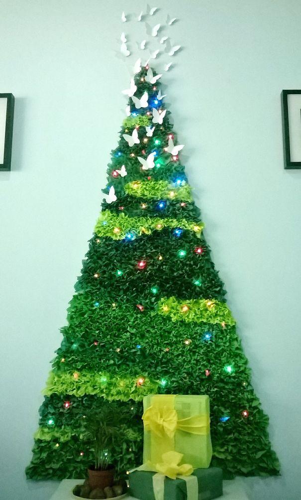 Christmas Tree Drawing On Wall : Christmas tree on the wall art