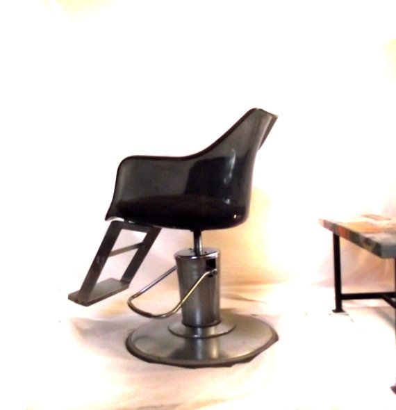 Sale 70s salon chair vintage barbers chair hydraulic lift for Vintage 70s chair
