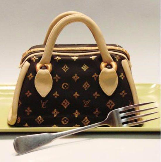 Cake Louis Vuitton Pinterest : Louis Vuitton cake. Louis Vuitton   LOVE   Pinterest