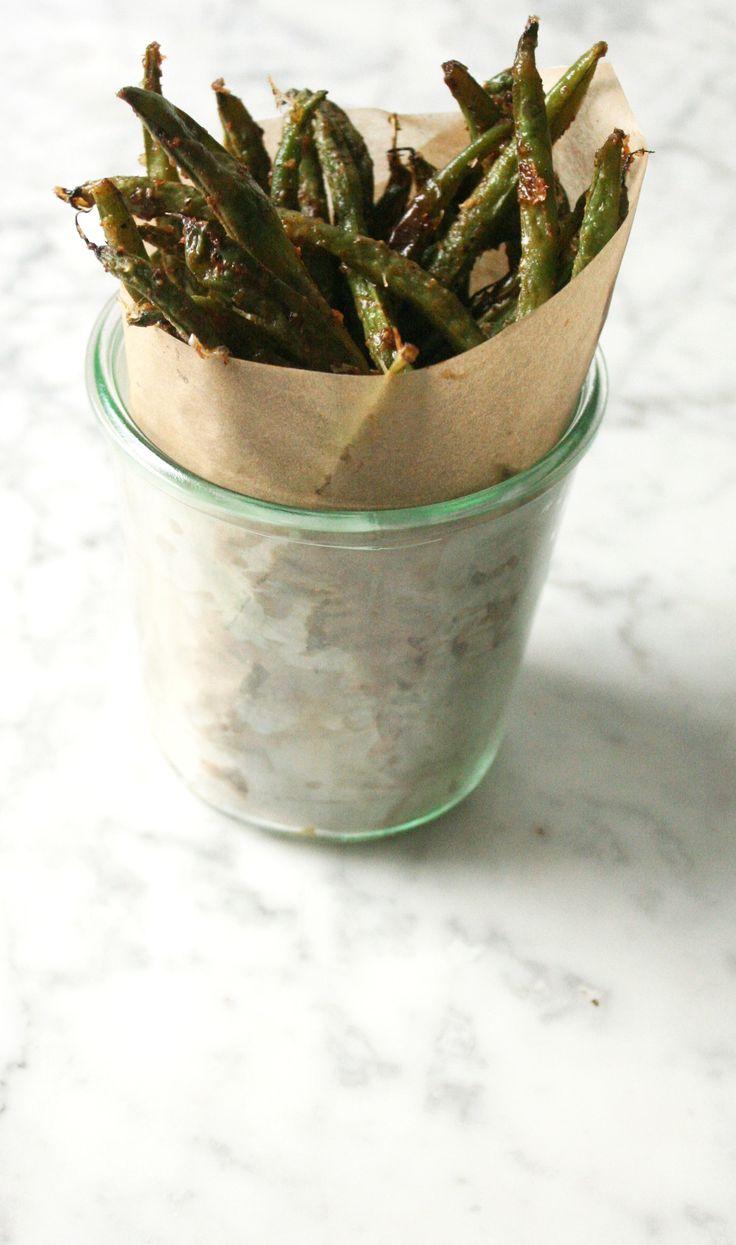 Cheesy oven-baked green bean