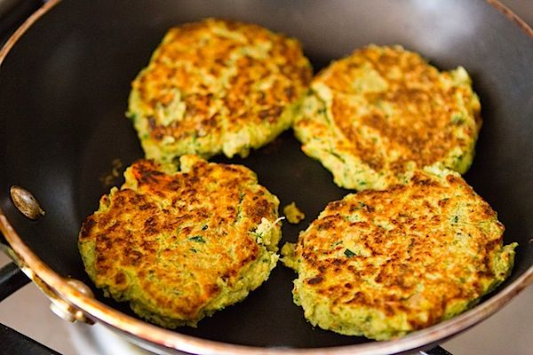 Chickpea Veggie Burgers | Recipes: The good and the bad :) | Pinterest