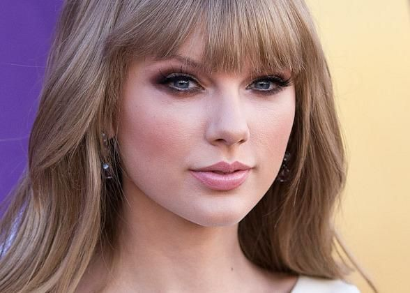 Taylor Swift Makeup Breakdown