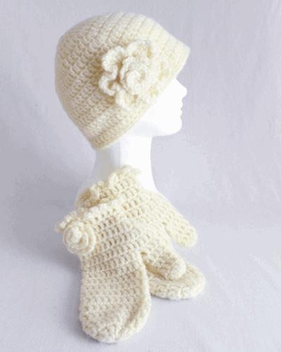 Crocheting Mittens For Beginners : beginner hat and mitten crochet set Crochet Hat & Scarf Sets Pint ...