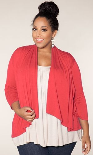 Plus Size Fashion: Open Cardigan in Flamingo