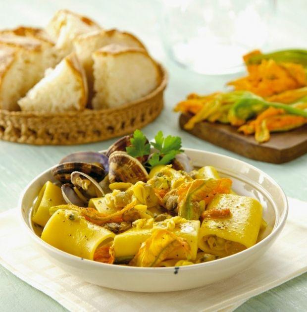 Paccheri with Zucchini, Zucchini Flowers and Clams | Italy Magazine