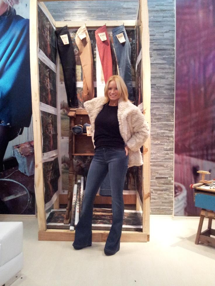 Claudia Fernández de visita en Bellmur