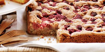 Raspberry pecan blondies | Recipe