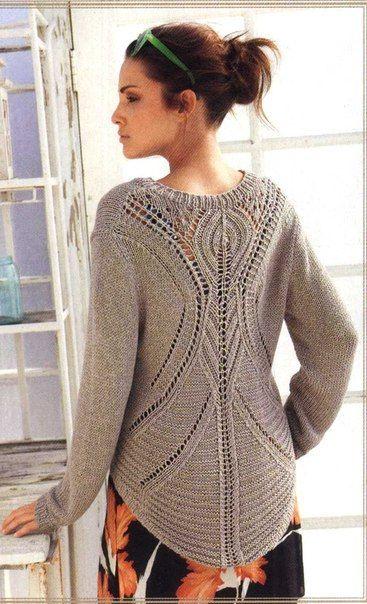 Пуловер спицами с ажурным рисунком на спине. С описанием и схемой