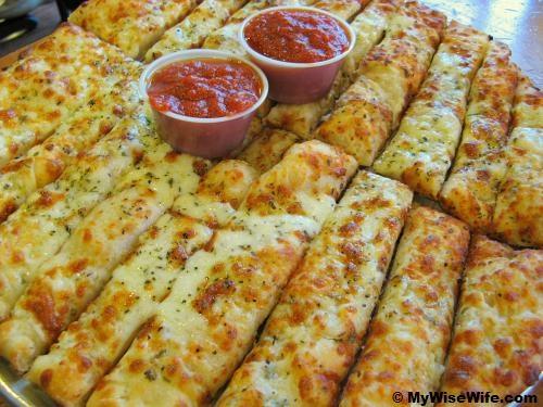 Cheesy Garlic Bread Sticks! Yum! | Asian food | Pinterest