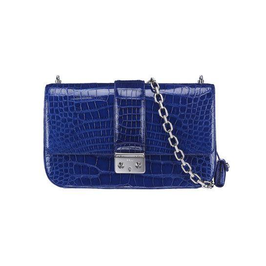 Christian Dior http://www.vogue.fr/mode/shopping/diaporama/cadeaux-de-noel-bleu-nuit/10911/image/650933#christian-dior