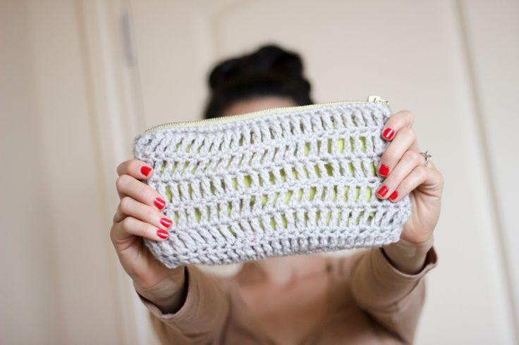 Crochet Zipper Pouch Tutorial : to crochet this little zip clutch tutorial Treble Crochet Zip Pouch ...