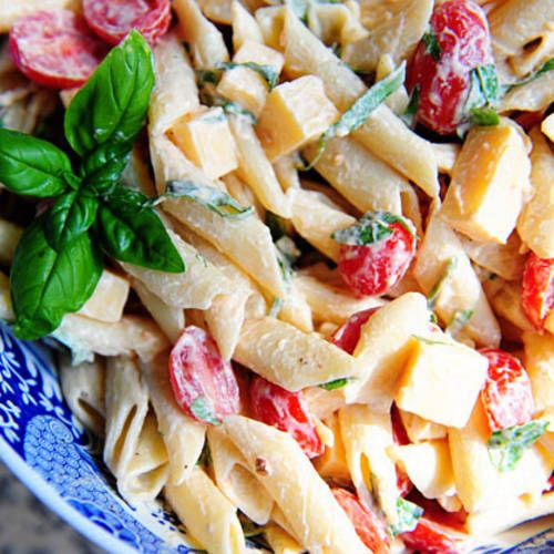 Spicy Pasta Salad with Basil, Tomatoes and Gouda