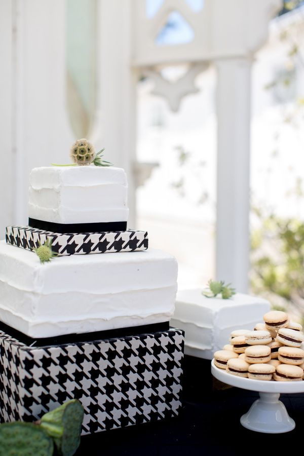 Houndstooth cake...