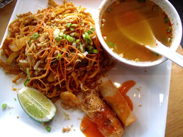 MEE GORENG | Veggie and Seafood Taro Rolls, Spicy Miso Soup | NOODLE ...