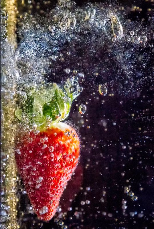 Strawberry Fizz | Color Photography | Pinterest