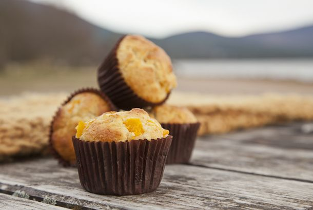 Peach + almond muffins. | Skinny Minnie Recipes | Pinterest