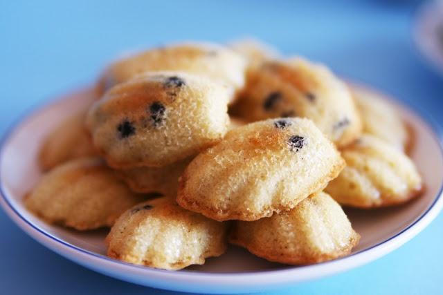 Chocolate Chip Mini Madeleines | Desserts | Pinterest