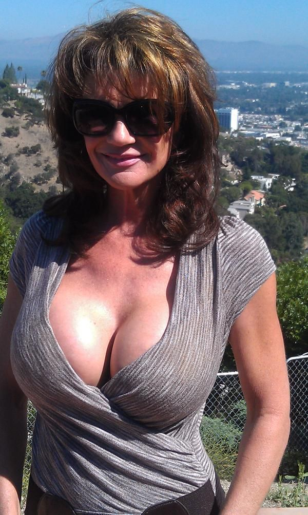 Mature pornstar Deauxma presents her awesome-looking big boobies № 597529 бесплатно
