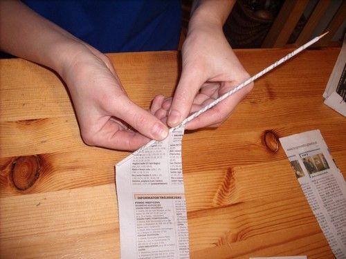 Как сделать трубочку для плетение из газеты
