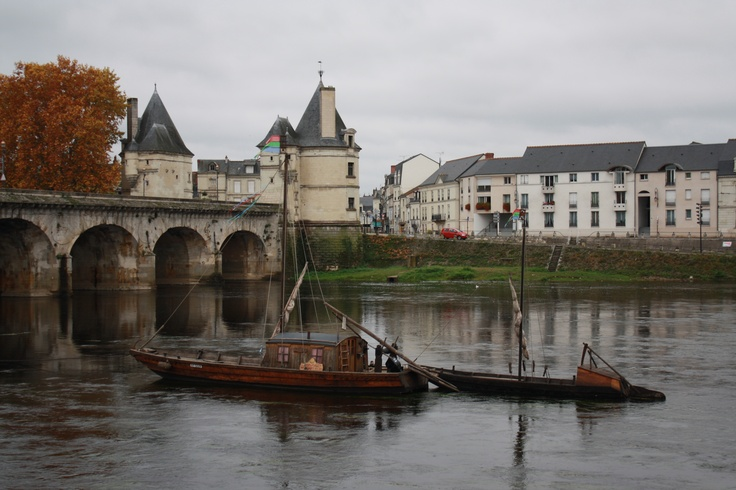 Chatellerault France  city pictures gallery : Chatellerault | The Place Poitou Charentes France | Pinterest