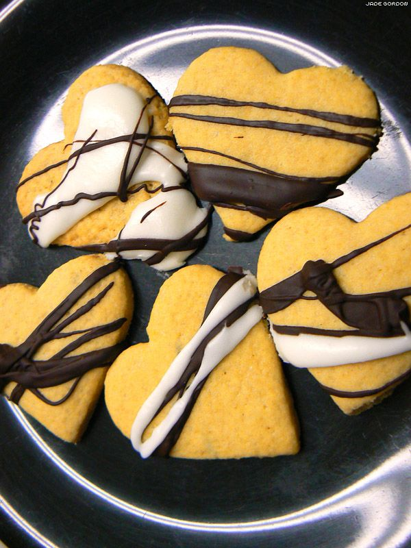Rose, lavender and vanilla sugar cookies with dark chocolate and ...